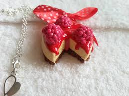 collier fimo gateau