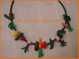 collier legumes fimo