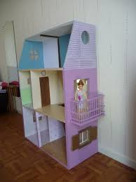 maison barbie carton