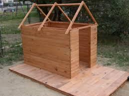 cabane en bois brico leclerc. Black Bedroom Furniture Sets. Home Design Ideas