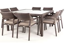 table carree 8 personnes dimensions
