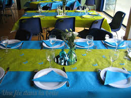 table turquoise et vert anis